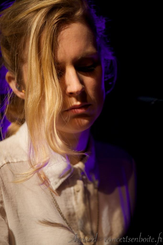 photo live de Agnes Obel