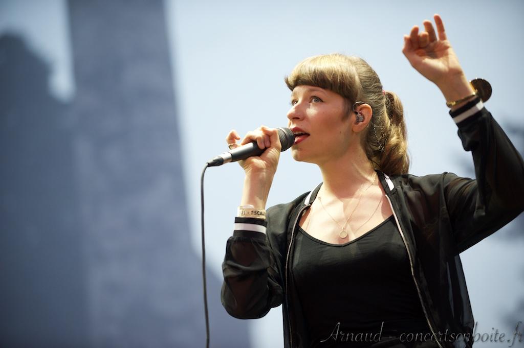 photo live de Calypso Valois