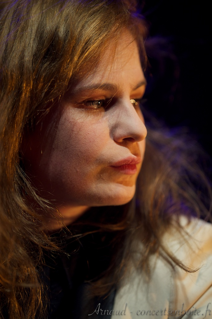 CHRISTINE & THE QUEENS - Queen of Pop. - Page 7 Christine-and-the-Queens-Moulin-Marseille-14-03-2013-3