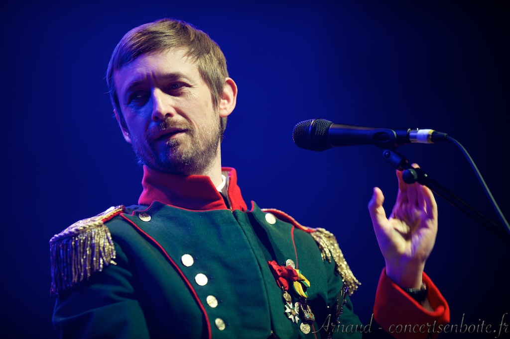 photo live de Neil Hannon