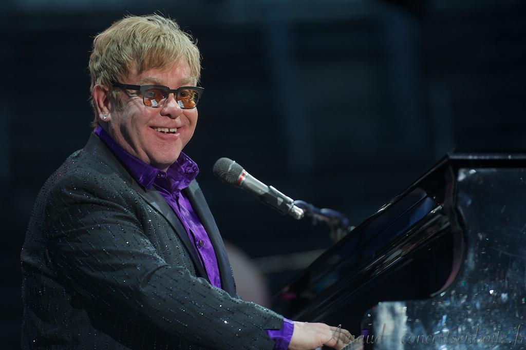 photo live de Sir Elton Hercules John