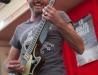 cliché du live - Frédéric Nevchehirlian - Rue Réattu - Arles - 09-07-2012