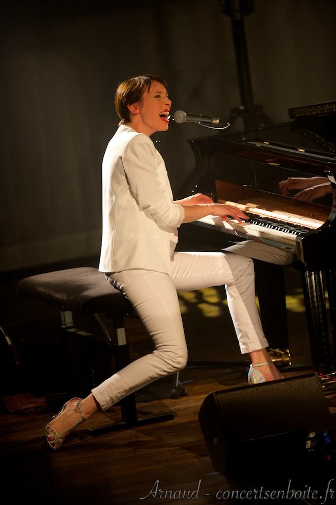 photo live de Jeanne Cherhal
