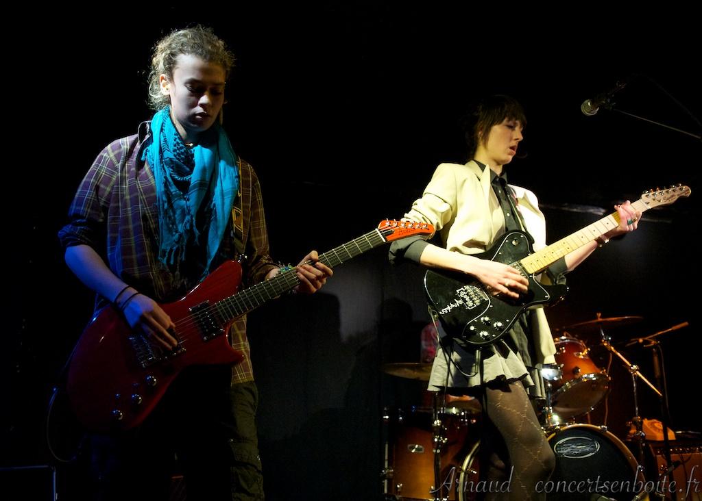 Review du concert live de the magnets marseille en for Machine a coudre zenith