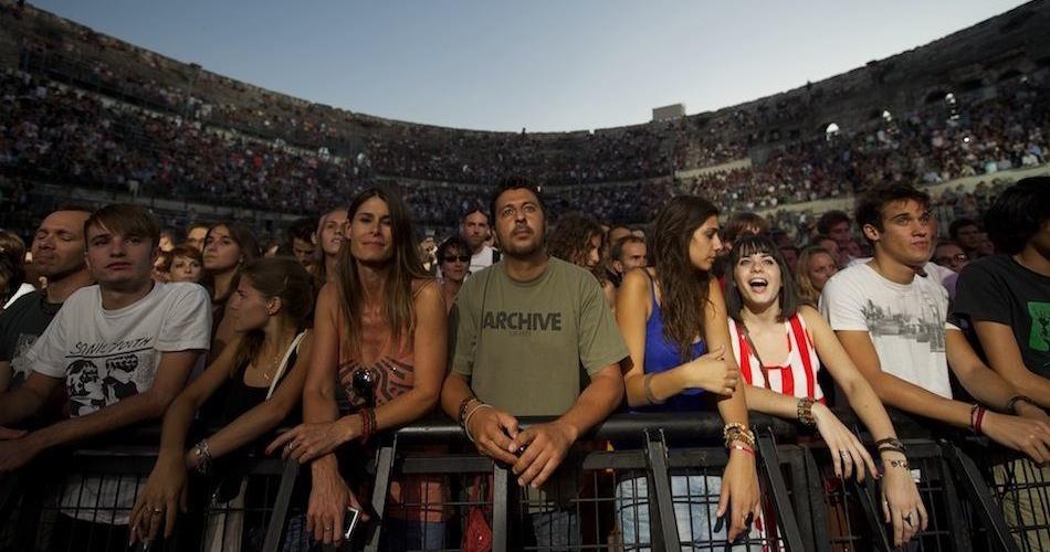 Photo du concert d'Archive @ Les Arènes (Nîmes)